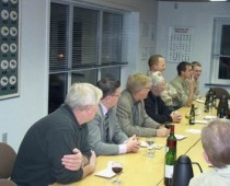 Vores Elektriker Ole Johansen, og Erik Janum, Borgmesteren Erik Sørensen, Knud Wilson og Jesper fra J. C Fiskegrej i Sæby